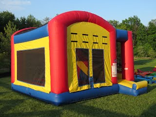 Fun house combo moon bounce bounce house party for Decor rent event woodbridge va